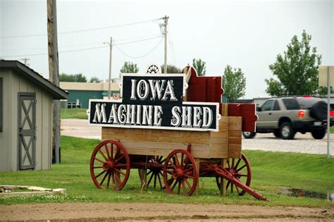 iowa machine shed restaurant davenport ia iowa photos
