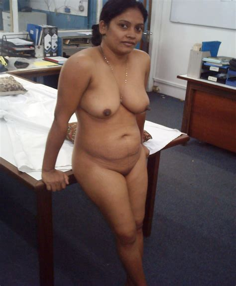 Home Porn  Indian Milf Gets Naked At Her Work
