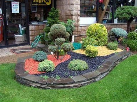 stones arrangement hedging the rock garden and