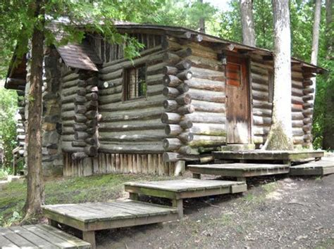 michigan state parks with cabins escape to a rustic cabin this weekend at one of these