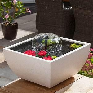 17 exemples de fontaines pour votre jardin et votre terrasse With fontaine de terrasse design