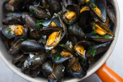 cuisine moules moules frites mussels and fries