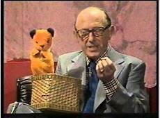 Richard Whiteley Interviews Harry Corbett With Sooty And