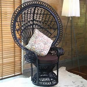 Chaise Rotin Noir : fauteuil emmanuelle noir succombez au charme du rotin ~ Teatrodelosmanantiales.com Idées de Décoration