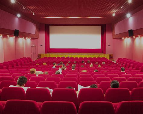 grande salle cinema 301 moved permanently