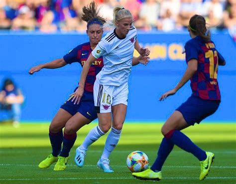 News should be submitted via a link to the original source (aggregators are not allowed for team news and transfer news). Real Madrid Femenino: Club Makes History, Forms Women's Team | NewsClick