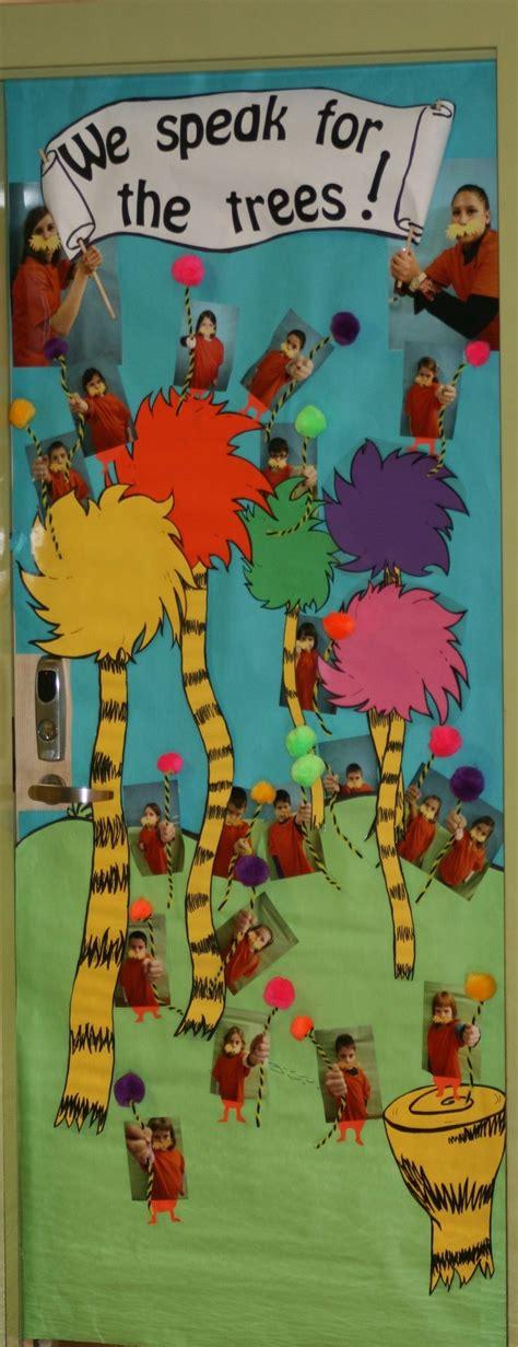 dr seuss door decorating contest pictures dr seuss door decorating ideas dr seuss door decorating