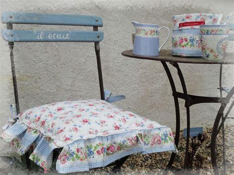 galettes pour chaises galette de chaise shabby