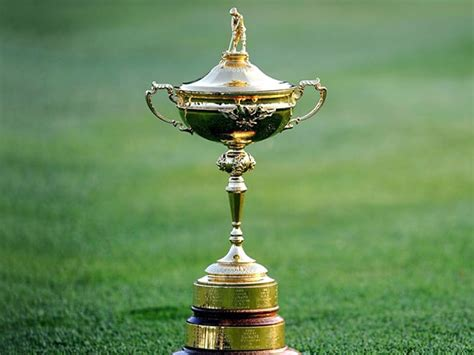 golfers tee   ryder cup  year coliseum