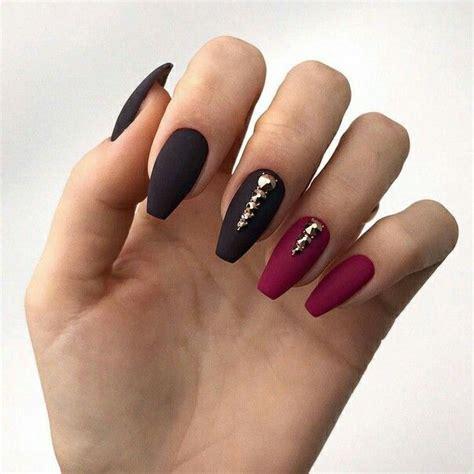 Бордовые матовые ногти — идеи нескучного дизайна с фото