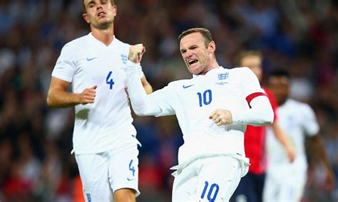 Wayne Rooney overtakes Michael Owen to become England's ...