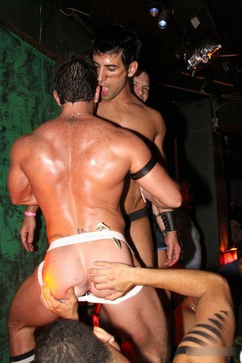 hunk stripper galerie