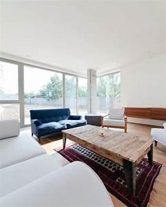 deco salon blanc pour une atmosphere accueillante 80 idees With tapis de souris personnalisé avec canapé bordeaux