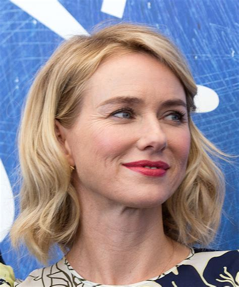Naomi Watts Medium Wavy Casual Bob Hairstyle   Light