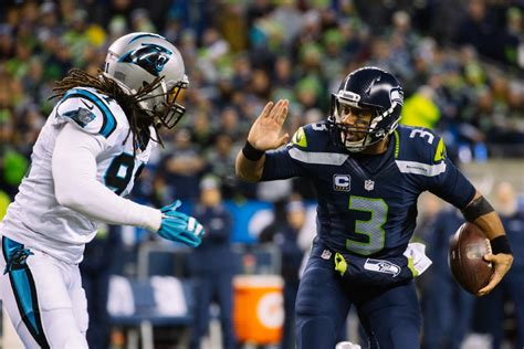 fans  loud  seahawks crush  panthers