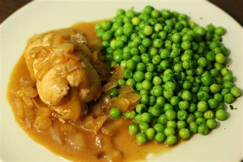 cuisiner petits pois frais paupiette de veau aux oignons et petits pois plat