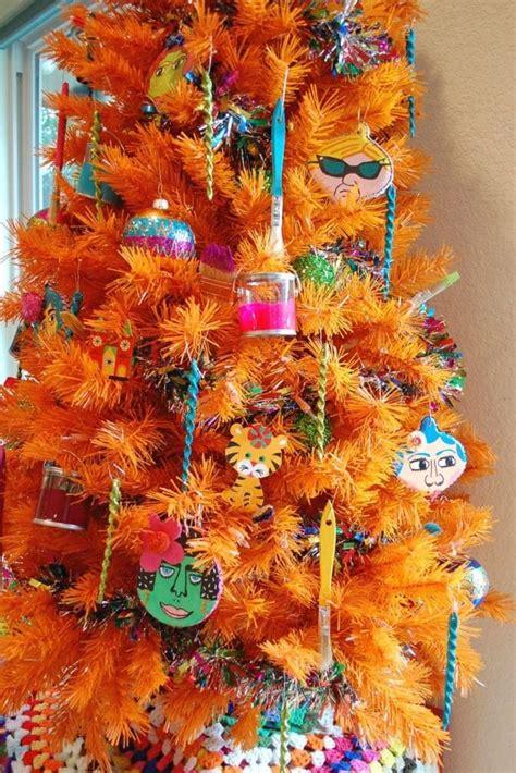 decorate  orange christmas tree