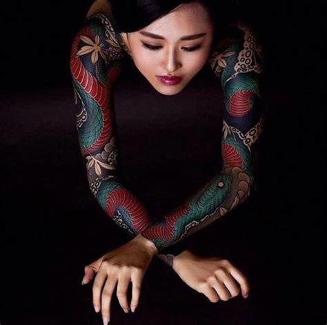 foto de Japanese Style Tattoo Girl yakuza tattoo asian tattoos