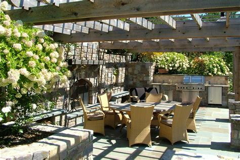 outdoor kitchens  center stage pool spa news