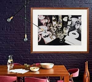 Décoration Murale Salle À Manger : d co mur en briques couleur indigo deco murale photo table en bois chaises en bois housses ~ Dode.kayakingforconservation.com Idées de Décoration