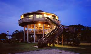 home building design circular reasoning how rounded homes resist storms save lives urbanist