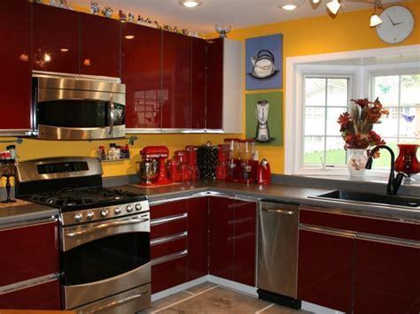 Modern Kitchen Decorating Ideas by Maroon Modern Kitchen Decorating Idea