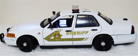 1 18 police car with custom 1 18 san bernardino ca sheriff ford crown vic
