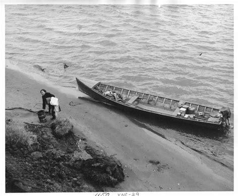 Eskimo Boat by File Eskimo And Outboard Boat Jpg