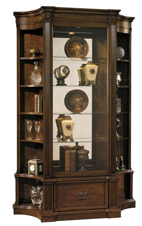 Pulaski Curio Cabinets Canada by 17 Best Images About Curios And Display Cabinets On
