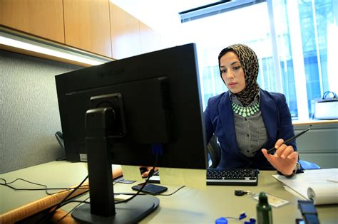 Ramadan at work: skipping lunch, no coffee breaks and lots ...