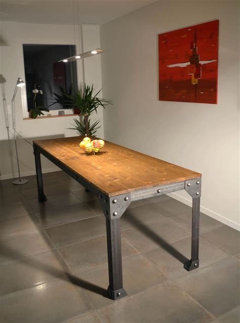 cuisine type industrielle table cuisine style industriel collection avec decoration