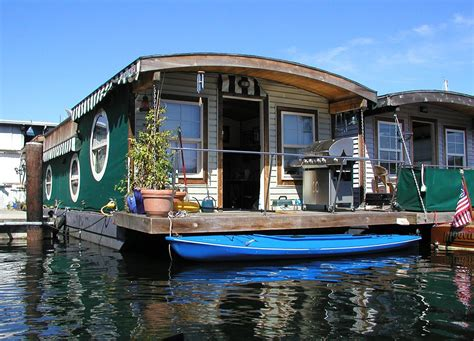 Houseboat New Orleans by On Houseboats The Seattle Globalist