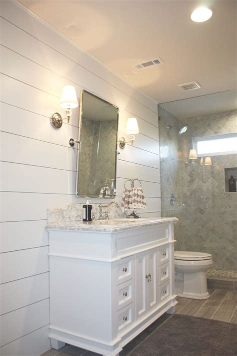 White Shiplap Bathroom by Beautiful Homes Of Instagram Home Bunch Interior Design