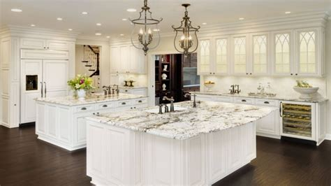 Kitchens Ideas With White Cabinets by U Shaped Colonial Kitchens Kitchens With White Cabinets
