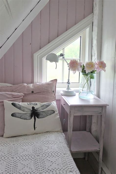 small cottage bedroom 17 best ideas about small cottage interiors on pinterest 13310   89d0f17bfef17b9bf3c0ffb44f58571f