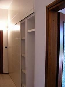 Casa moderna, Roma Italy: Ante per armadio