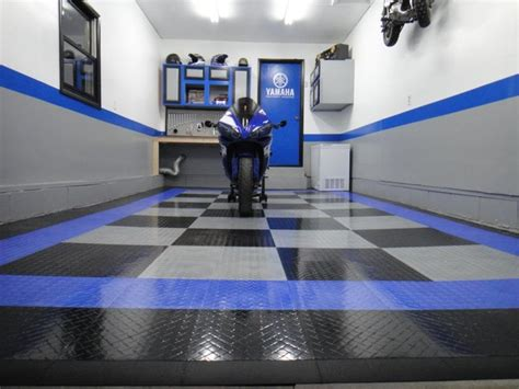 Racedeck Garage Flooring Tiles by Racedeck Garage Flooring Ideas Cool Garages With Cool