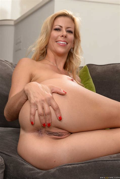 Great Looking Milf Is Rubbing Her Pussy Photos Alexis Fawx Danny Mountain Milf Fox