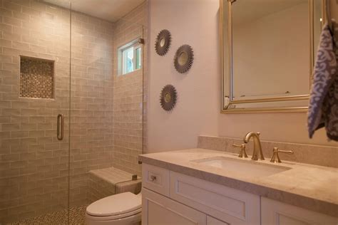 master bath  traditional    guest