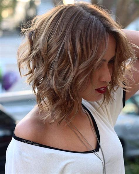 45+ Short Wavy Hairstyles 2018 2019 Krásné vlasy Vlasy