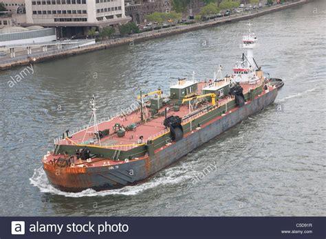Tugboat And Barge by Tugboat Pushing Barge Boat Stock Photos Tugboat Pushing