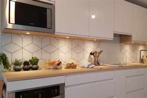 credence cuisine blanche cuisine blanche et bois avec cr 233 dence socoo c annecy