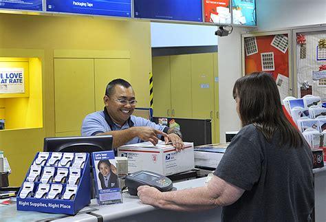 bureau postal conversaciones cotidianas en la oficina de correos