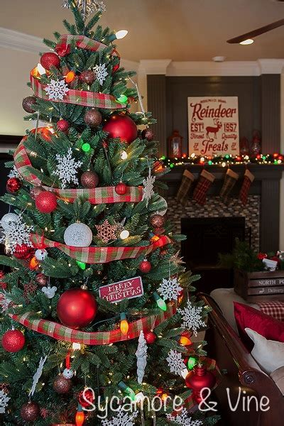 christmas tree decorating ideas with plaid ribbon a plaid country major hoff takes a family recipes travel inspiration