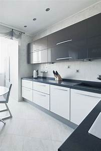 cuisine blanche laquee 99 exemples modernes et elegants With kitchen colors with white cabinets with art nouveau wall panels