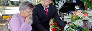 Offrir Un Bouquet De Fleurs : tout savoir sur l 39 acte de d c s les formalit s ~ Melissatoandfro.com Idées de Décoration