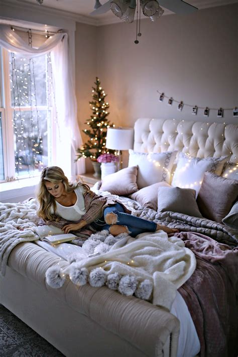 It's nice to have finally been able to ge. 7 Holiday Decor Ideas for Your Bedroom - Welcome to Olivia ...