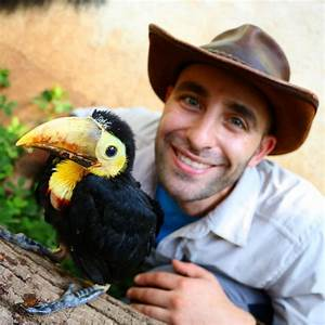 Coyote Peterson Feeds a Hungry Rescued Baby Toucan a Yummy ...