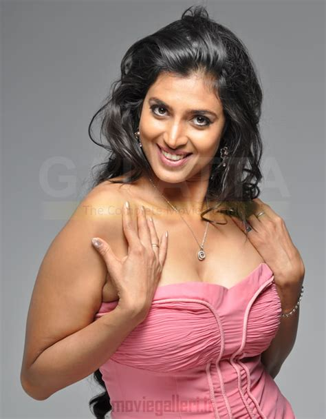 actress kasthuri gossips kasthuri hot nnavel cleavage shriya pinterest