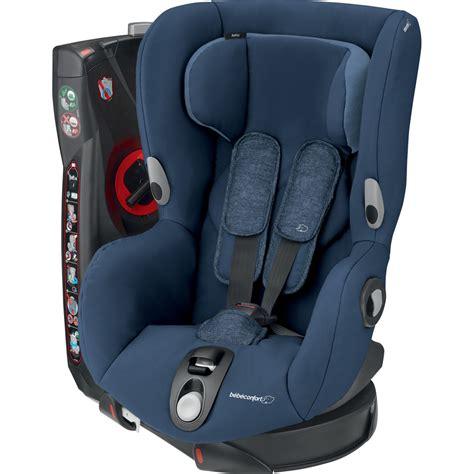 attacher un siege auto bebe siège auto axiss de bebe confort au meilleur prix sur allobébé